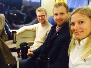 Varje morgon tar Anders, Martin och jag 06.30 tåget från Göteborg till Trollhättan. Kaffekopp obligatorisk.
